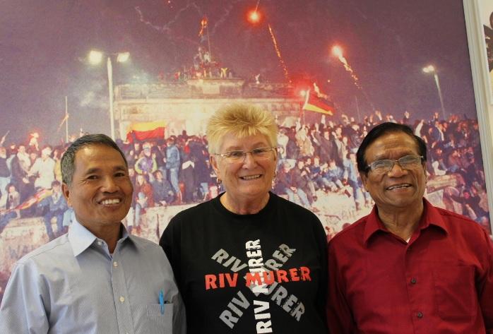 Fra venstre: «Dr Kem Thang, Helga Arntzen og U Bung Kone