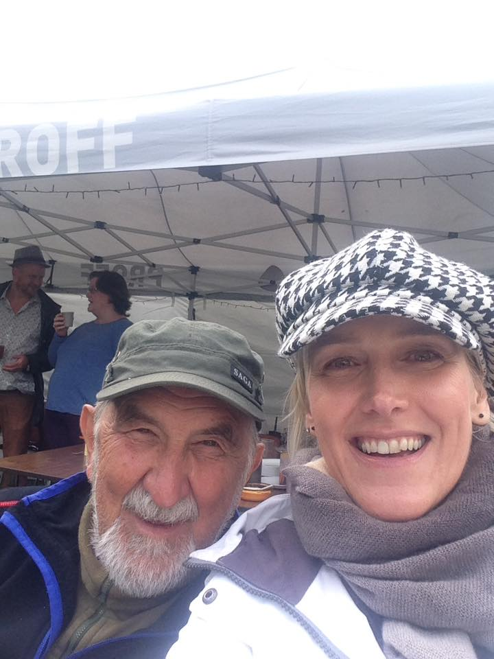Harry Andersen og dottera Ann-Cecilie var med i diakonitenesta på Ose Countryfestival